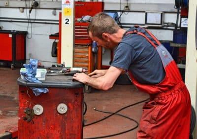 Atelier mecanique ouvrier garage duval