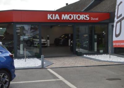 Showroom kia enseigne garage duval